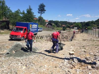 Radovi na izradi kanalizacionog odvoda u naselju Saletovići
